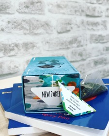 Monji photo new parent combo with book